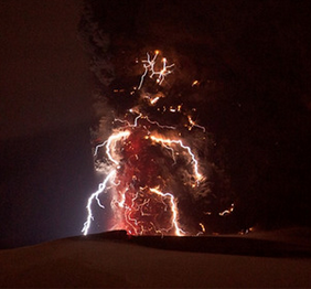 photo-Electrifying Images of Volcano Lightning & volcanic lightning | My Blog News And Blues Reviews azcodes.com
